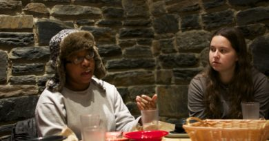 SwatFems members discuss feminist issues over dinner at Sharples