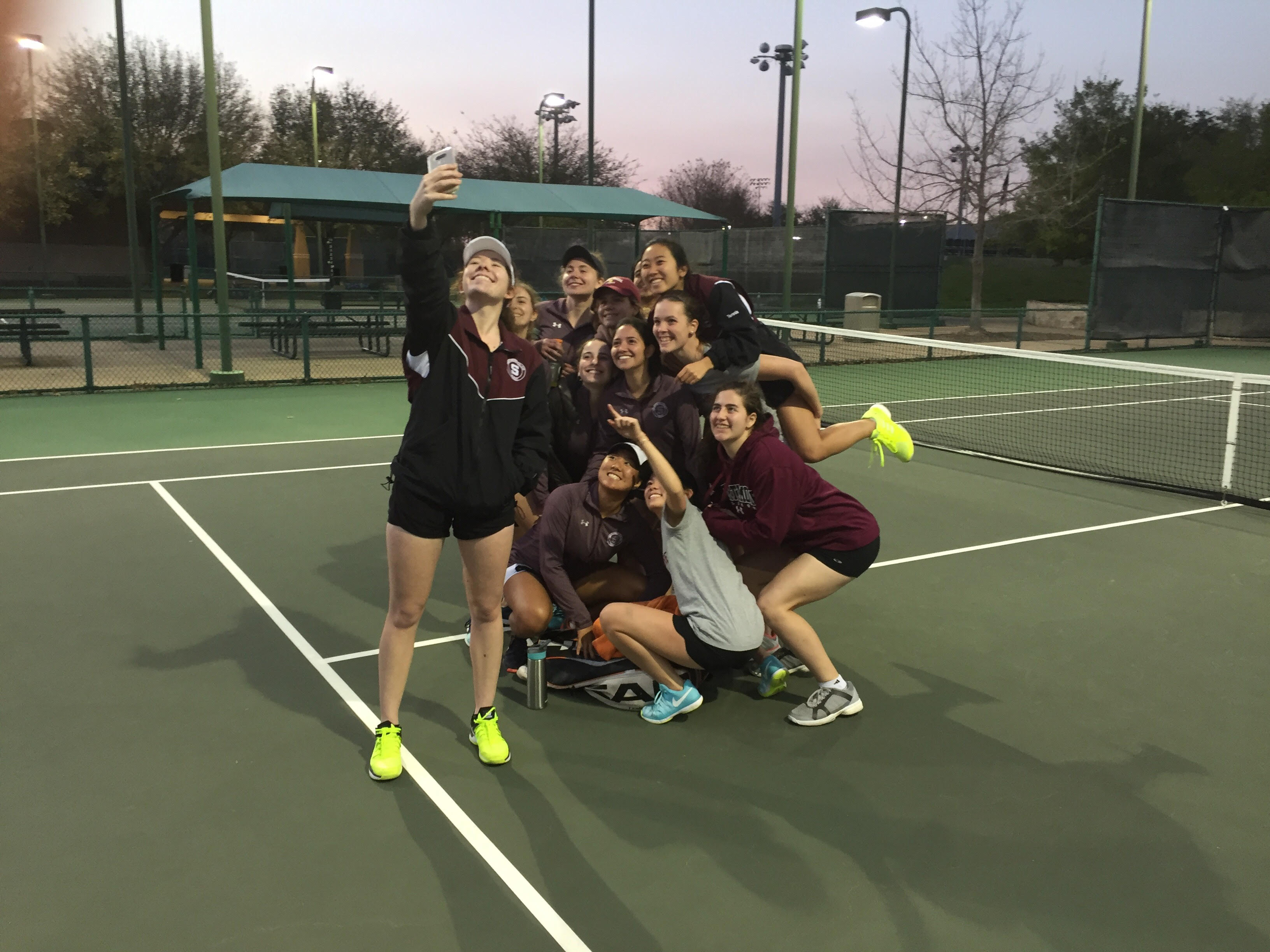 Women's Tennis Heads South For Texas – The Phoenix