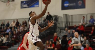 Men's Basketball Claims Sole Possession of First Place